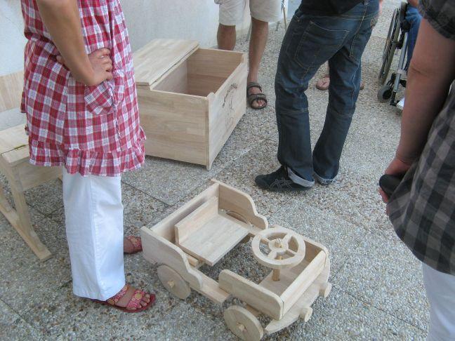 photo d'un jouet en bois dons de l'UEAJ de Dieppe