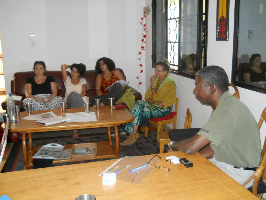 réunion de travail de l'association humanitaire Objectif Mali